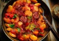 100% Βουβαλίσιο Νωπό Λουκάνικο με φασόλια γίγαντες στο φούρνο